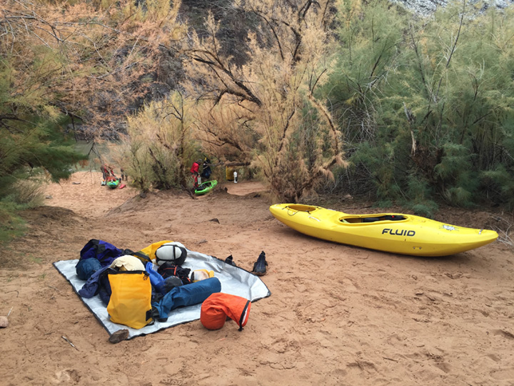 Self-Support-Winter-Kayak-Grand-Canyon-09